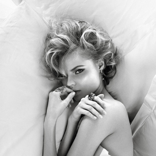 Magdalena Frackowiak bed vogue